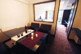 休憩客廳、液晶電視、沙發桌椅