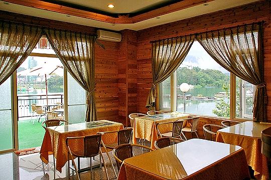 湖畔景觀餐廳