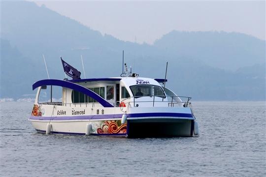日月潭金鑽號純電能遊艇