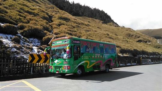 台灣中巴.4人小客車、7-9座、20-27座、大巴(旅遊包車拼車)