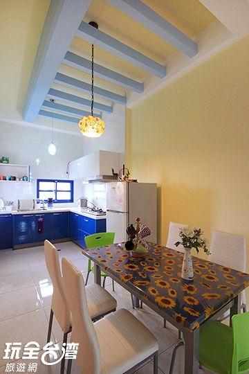 蔚藍海14人包棟餐廳及廚房