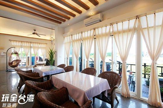 一樓 / 用餐、聊天區