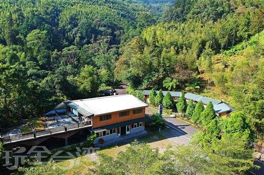 溪頭和亭餐廳民宿 | 獨棟式小木屋