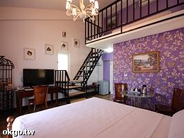紫色浪漫四人房